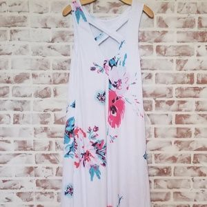 Dresses & Skirts - Floral Maxi Dress